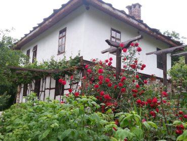 Почивка в село Ножери   Къща за гости ВИВИ Ножери