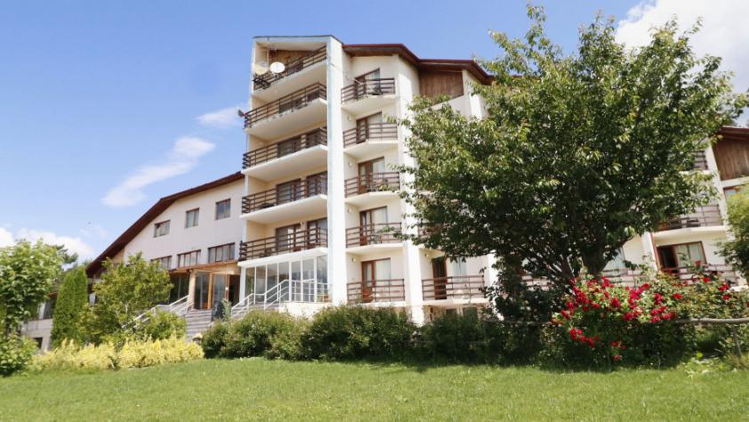 Почивка в Родопите | Хотелски комплекс Дъбраш
